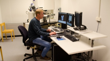 LTU Press photo - Scanning electron microscope lab -