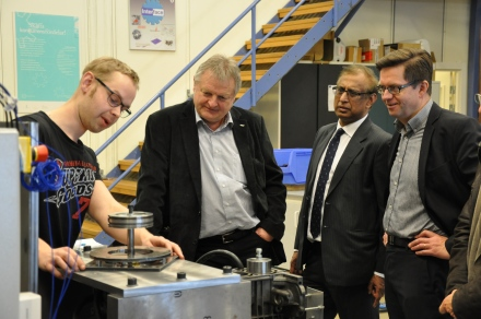 SKF Senior VP (second from left) getting a tour of the LTU's Tribolab
