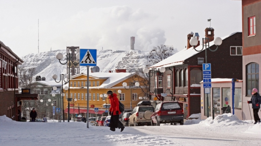 The entire city of Kiruna must be moved during  the next few years.