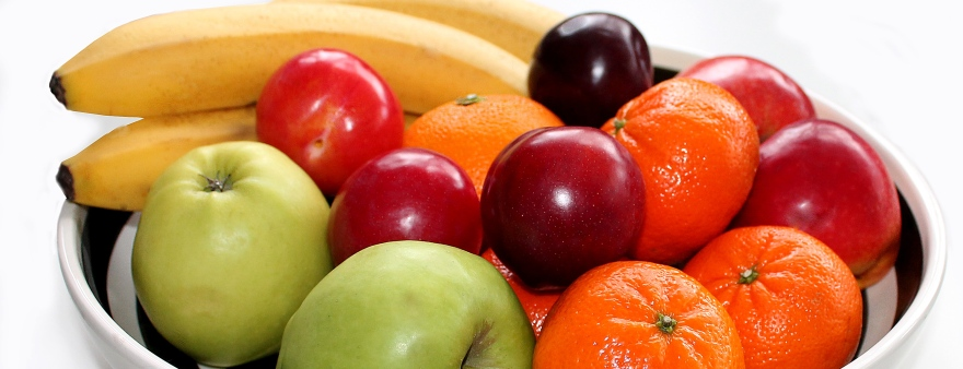 Apples, bananas, clementines, plums Photo: Pixabay