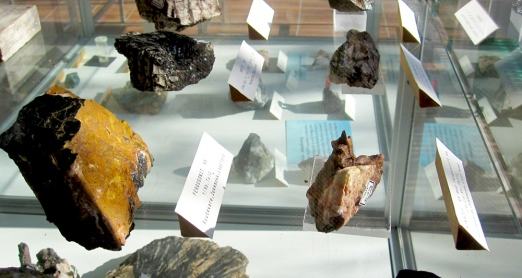mineral_collection_ltu_03.jpg